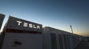 Tesla Dünyanın En Büyük Bataryası